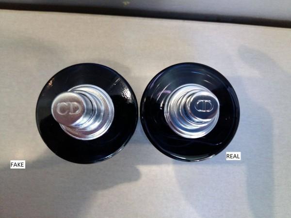 Push-button-fake-vs-original-Sauvage